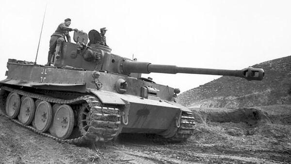 Танк Тигр, архивное фото - Sputnik Таджикистан