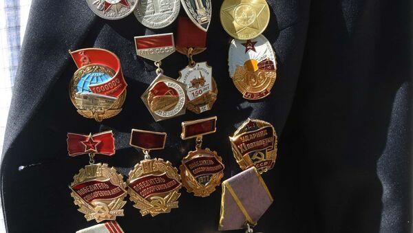 Медали на груди ветерана ВОВ, архивное фото - Sputnik Тоҷикистон