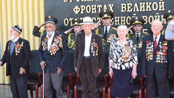 Парад Победы 9 мая в Душанбе - Sputnik Таджикистан