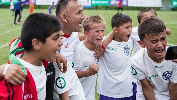 Детская футбольная команда из Шахринава, архивное фото - Sputnik Таджикистан