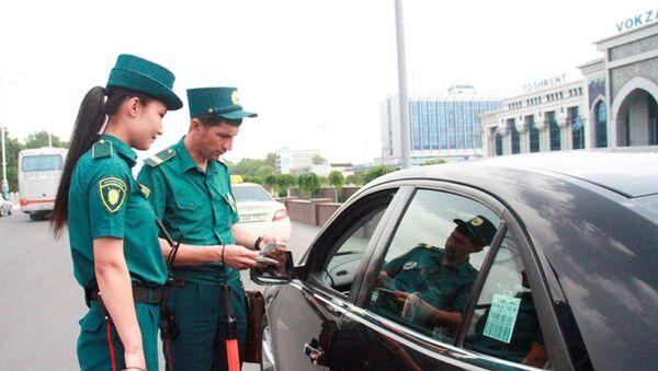 В Ташкенте появились две девушки, работающие инспекторами дорожно-патрульной службы. - Sputnik Таджикистан