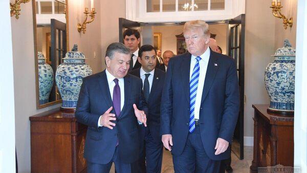 Президент Узбекистана Шавкат Мирзиёев на встрече с Дональдом Трампом - Sputnik Таджикистан