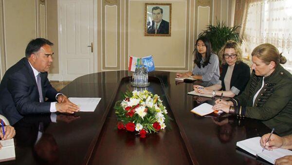 Встреча председателья Согда с представительям Всемирного банка - Sputnik Тоҷикистон