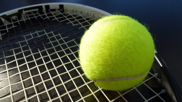 Теннисная ракетка, архивное фото - Sputnik Таджикистан