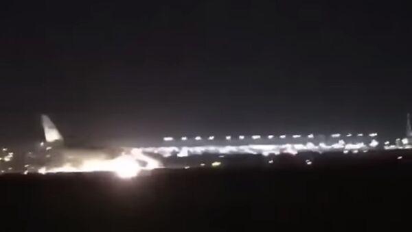 Посадка в Джидде пассажирского лайнера без шасси - Sputnik Тоҷикистон