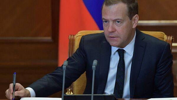 Премьер-министр РФ Д. Медведев провел совещание по экономическим вопросам - Sputnik Тоҷикистон