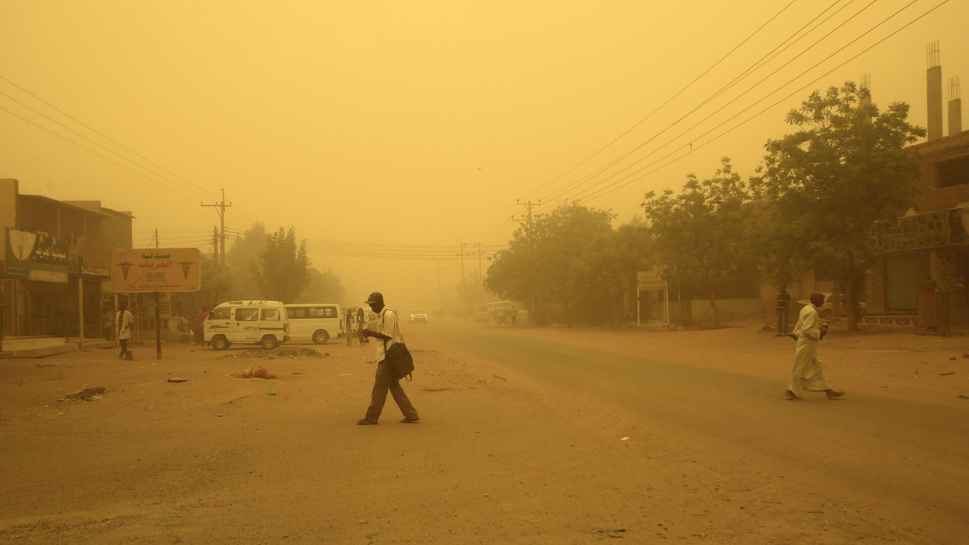 Пыльная буря, архивное фото - Sputnik Таджикистан, 1920, 13.08.2021