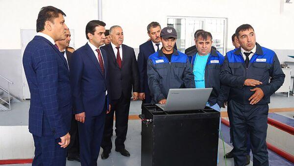 Рустам Эмомали открыл центр сервиса техники Сити Сервис - Sputnik Тоҷикистон