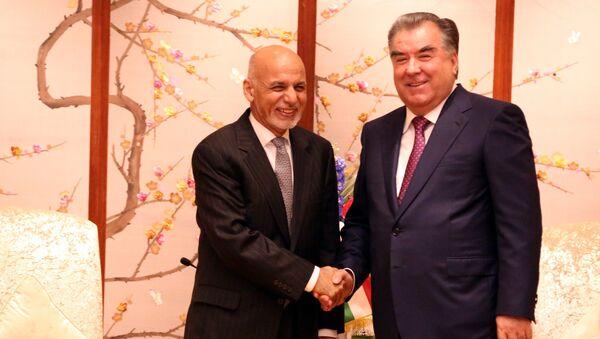 Президент Афганистана Ашраф Гани и глава Таджикистана Эмомали Рахмон - Sputnik Тоҷикистон