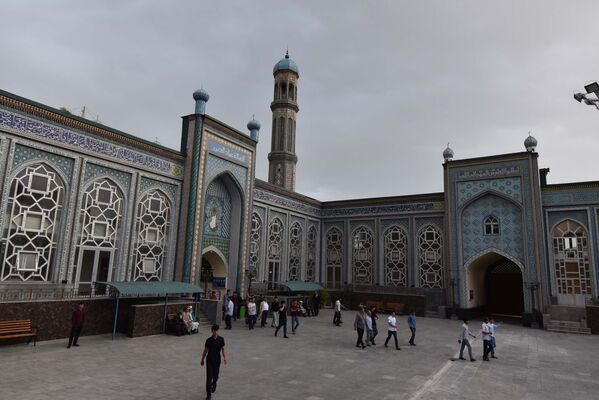 Таджикистан празднует Иди Рамазон - Sputnik Таджикистан