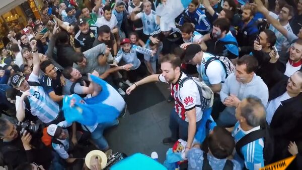 Болельщики со всего мира собрались в Москве на открытие ЧМ-2018 - Sputnik Таджикистан