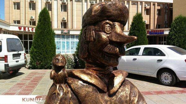 В Узбекистане установили памятник мультяшному почтальону Печкину - Sputnik Таджикистан