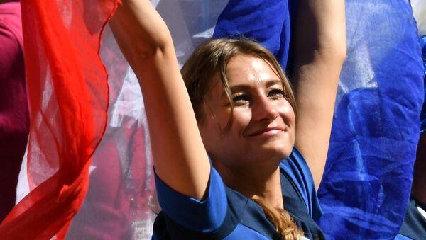 Болельщица  во время матча - Sputnik Таджикистан