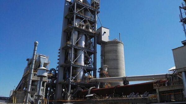 Цементный завод в Согдийской области - Sputnik Таджикистан