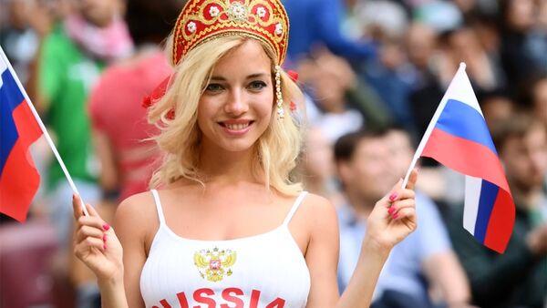 Самая горячая болельщица России — порнозвезда?! - Sputnik Тоҷикистон