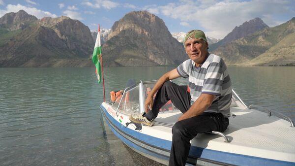 Амонбек Негматуллоев марафонец из Таджикистана: побегаю 30 км в день и чувствую себя 20-летним - Sputnik Тоҷикистон