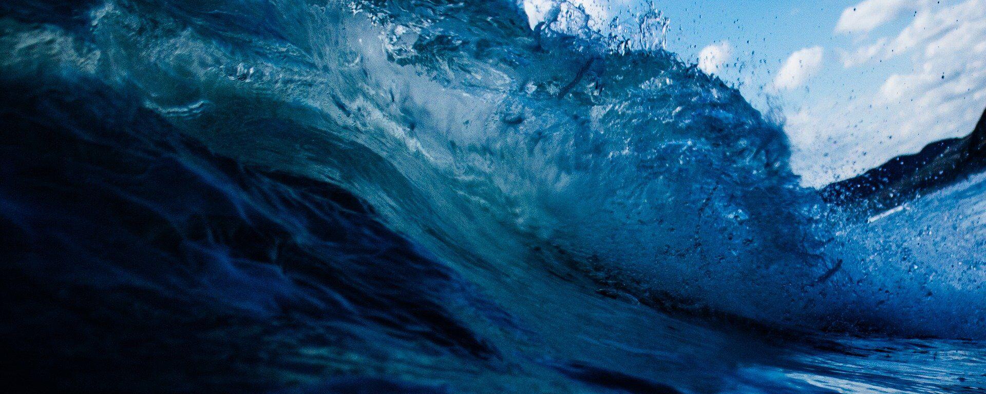 Морские волны, архивное фото - Sputnik Таджикистан, 1920, 14.06.2021
