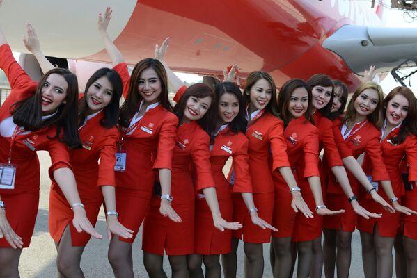 Стюардессы авиакомпании Air Asia - Sputnik Таджикистан