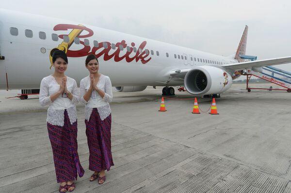 Индонезийские стюардессы - Sputnik Таджикистан