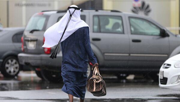 Человек в арабской одежде, архивное фото - Sputnik Таджикистан