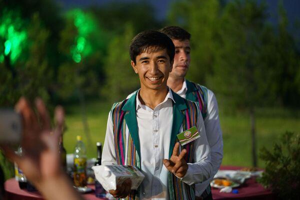 Официальный прием в национальном парке Вахдат по случаю ярмарки СУГД-2018 - Sputnik Таджикистан