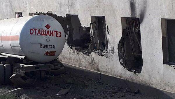 Газовоз на месте происшествия, архивное фото - Sputnik Тоҷикистон