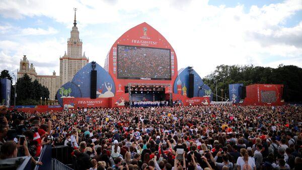 Сборная России по футболу встретилась с болельщиками - Sputnik Таджикистан