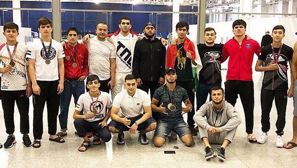 Таджикские спортсмены выступили на крупном международном турнире по джиу-джитсу в России - Sputnik Таджикистан