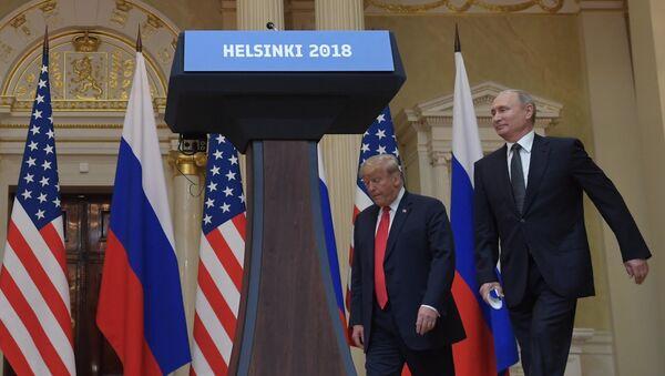 Встреча президента РФ Владимира Путина и президента США Дональда Трампа в Хельсинки - Sputnik Таджикистан