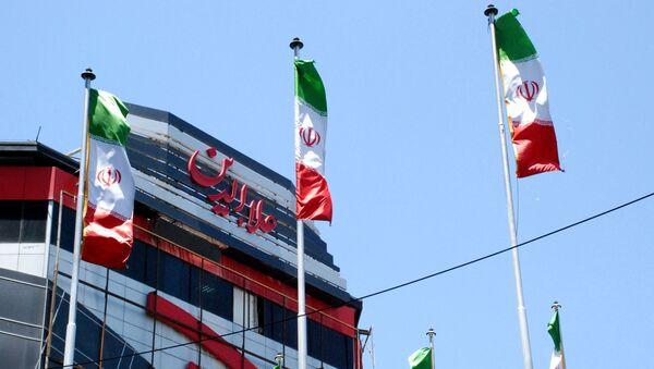 Флаги Ирана на одной из улиц Тегерана - Sputnik Тоҷикистон
