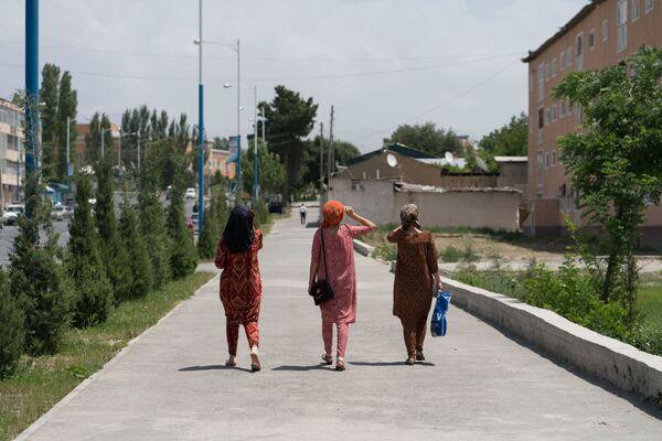 Девушки, архивное фото - Sputnik Таджикистан