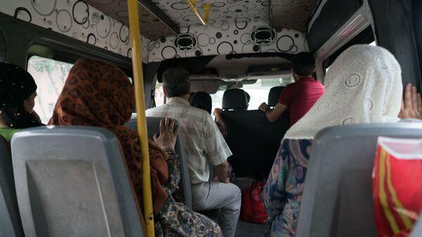 Маршрутное такси в Таджикистане, архивное фото - Sputnik Тоҷикистон