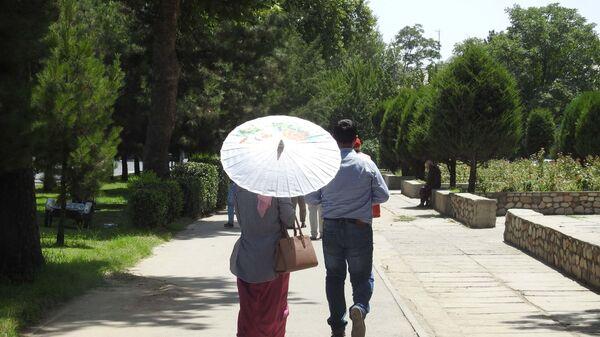 На улице в городе Душанбе, архивное фото - Sputnik Тоҷикистон