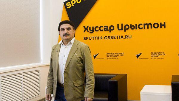Председатель Межрегионального экологического движения Ока Алан Хасиев - Sputnik Таджикистан