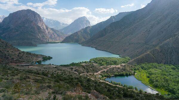 Озеро Искандеркуль и змеиное озеро, архивное фото  - Sputnik Тоҷикистон
