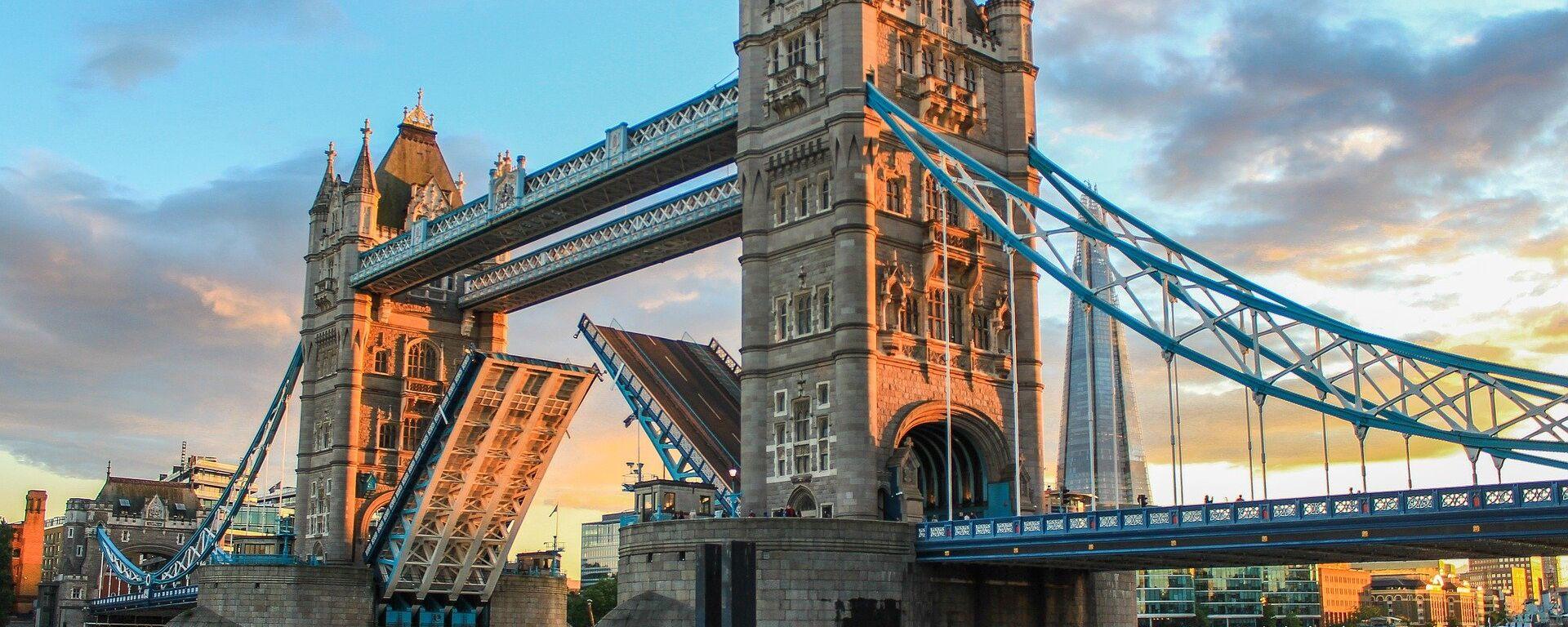 Тауэрский мост в Лондоне - Sputnik Таджикистан, 1920, 15.07.2021