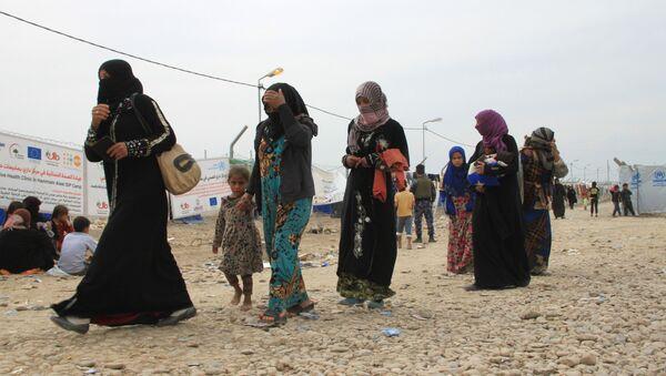 Жители Мосула в лагере беженцев - Sputnik Таджикистан