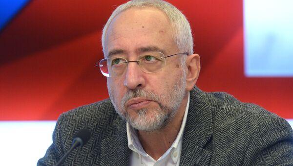 Председатель комиссии Общественной палаты РФ по межнациональным отношениям Николай Сванидзе - Sputnik Таджикистан