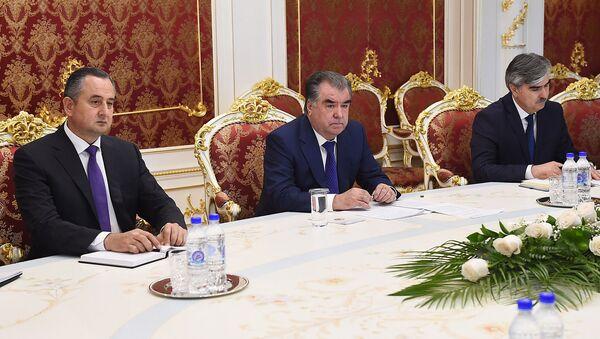 Эмомали Рахмон встретился с председателями организации Salini Impregilo Пиетро Салини - Sputnik Тоҷикистон