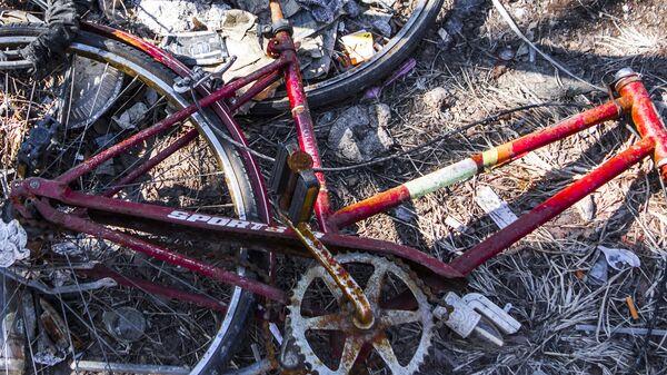 Разбитый велосипед, архивное фото - Sputnik Таджикистан