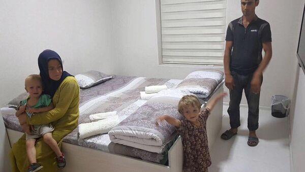 Активисты в Таджикистане помогли молодой семье найти жилье - Sputnik Тоҷикистон