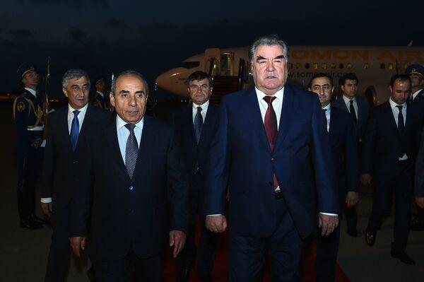 Эмомали Рахмон прибыл с визитом в Азербайджан - Sputnik Таджикистан