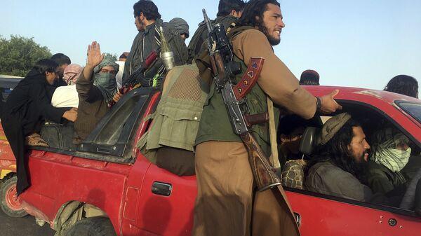 Боевики Талибан в провинции Нангархар на востоке Афганистана - Sputnik Тоҷикистон