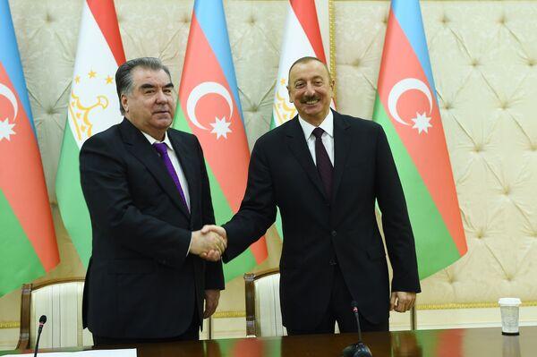 Президент Азербайджана Ильхам Алиев и президент Таджикистана Эмомал Рахмон - Sputnik Таджикистан