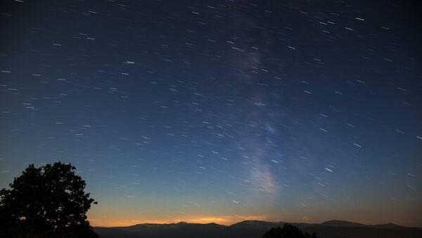 Метеорный поток Персеиды - Sputnik Таджикистан
