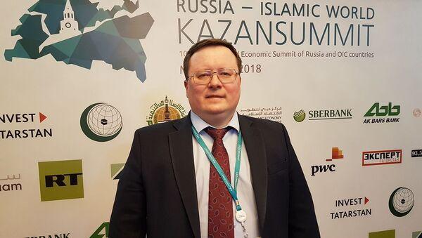 Александр Разуваев директор аналитического департамента Альпари - Sputnik Таджикистан