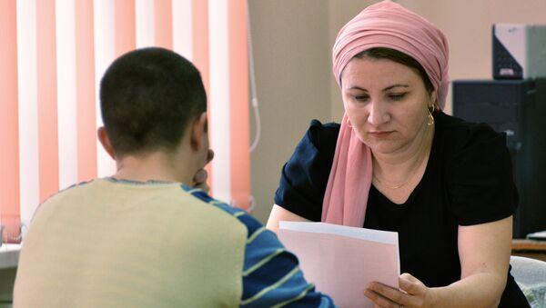Учительница средней школы, архивное фото - Sputnik Таджикистан