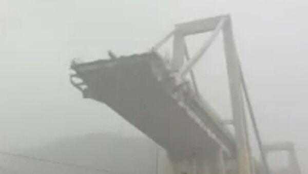 Обрушение моста в Генуе - Sputnik Таджикистан