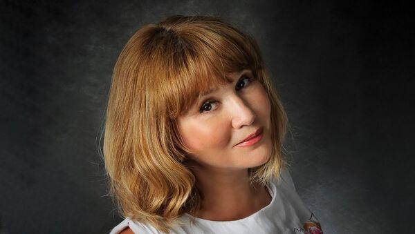 Детский писатель, член Союза писателей России Наталья Осипова, архивное фото - Sputnik Таджикистан