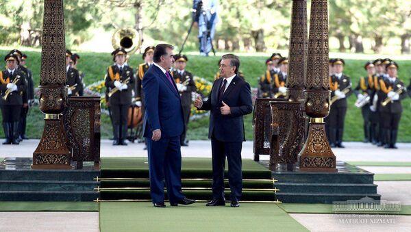 Президент Таджикистана Эмомали Рахмон и Президент Узбекистана Шавкат Мирзиёев - Sputnik Таджикистан